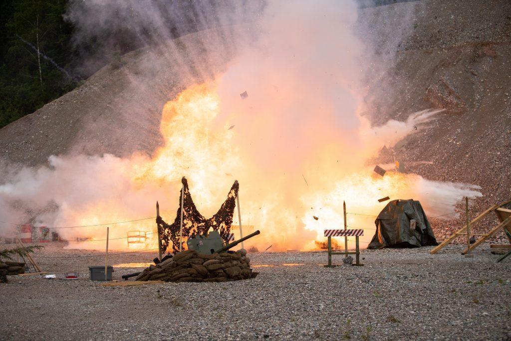 Explosionsdarstellung mit Sprengstoff